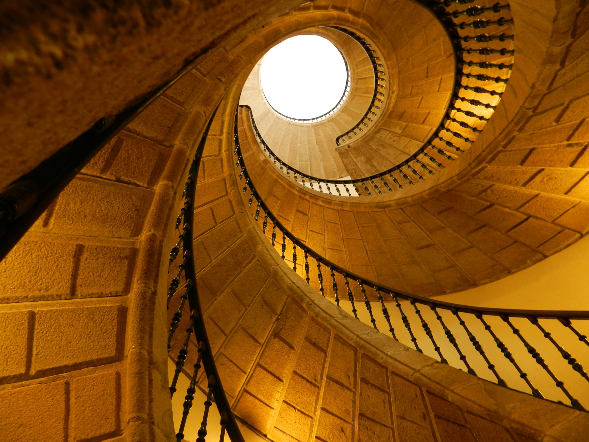 staircase-1172099_1920